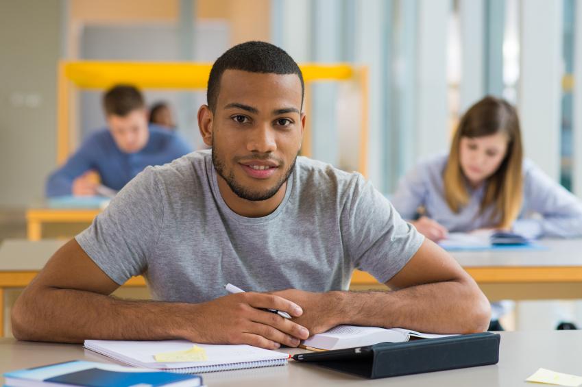 Les jeunes diplômés partis à l'étranger s'insèrent mieux que les autres